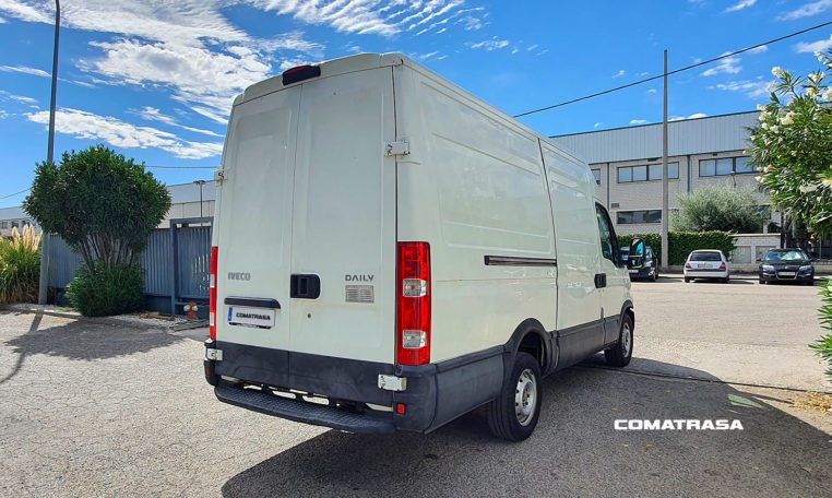 lateral derecho Iveco Daily 35S13