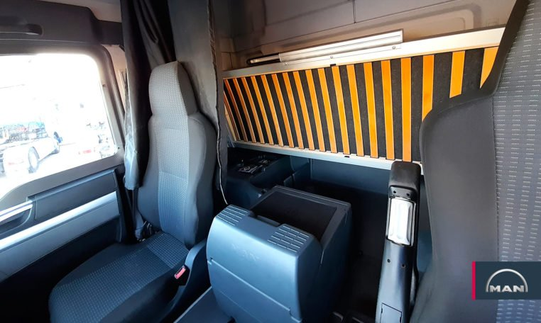 asientos y litera MAN TGS 18.480 4X2 BLS