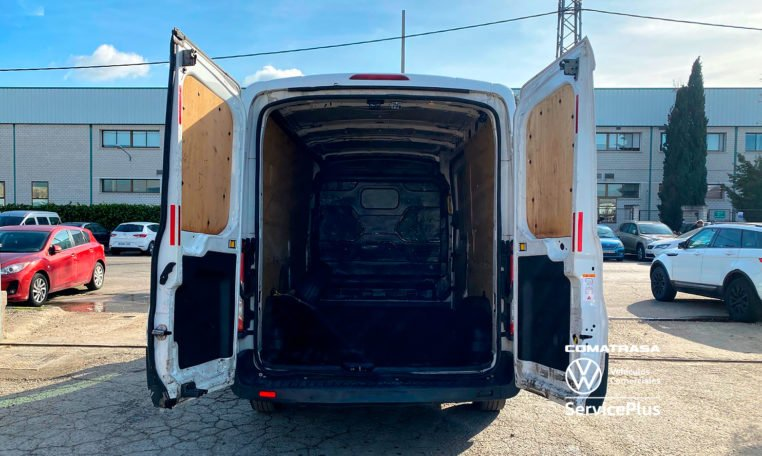 zona de carga Ford Transit 310 L3H2