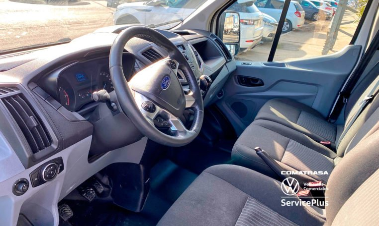 interior Ford Transit 310 L3H2