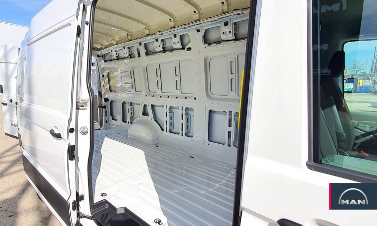 puerta lateral MAN TGE 3180 automática