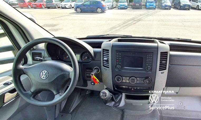 interior Volkswagen Crafer Plywood 35