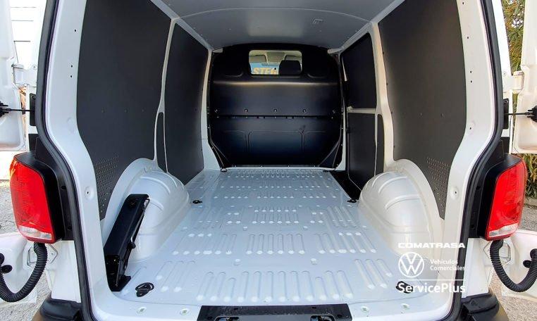 Volkswagen Transporter T6.1 150 CV zona de carga