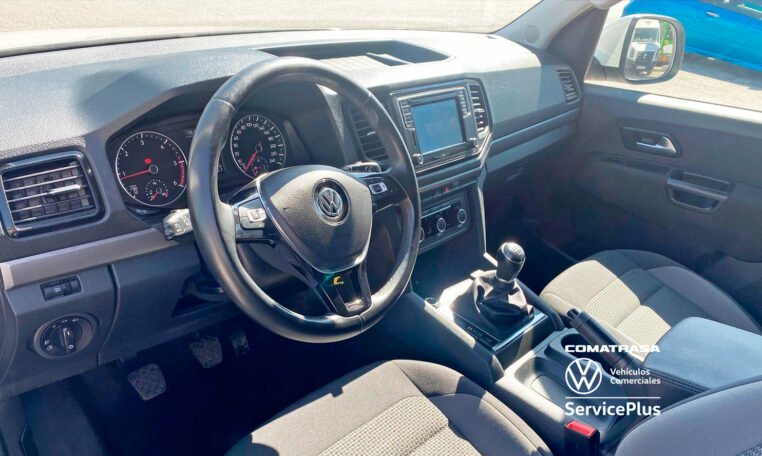 interior Volkswagen Amarok 3.0 TDI 163 CV