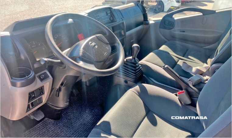 Nissan NT400 Cabstar doble cabina