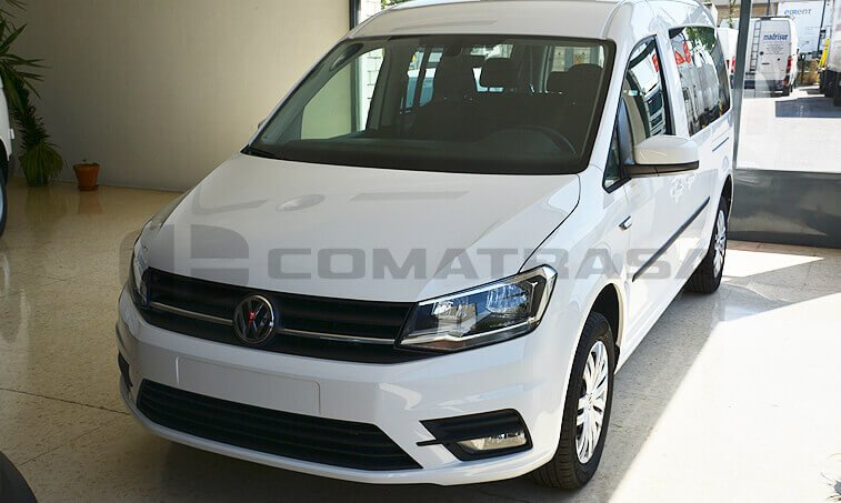 VW Caddy Maxi Trendline 2.0 TDI Configuración Taxi frontal
