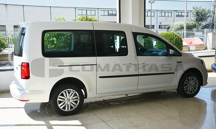 VW Caddy Maxi Trendline 2.0 TDI Configuración Taxi lateral puerta
