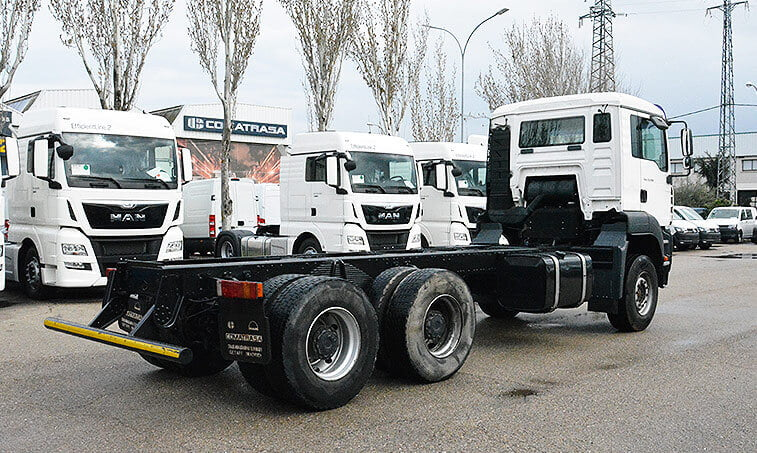 MAN TGA 33350 6x4 BB Camión Portacontenedores - 4