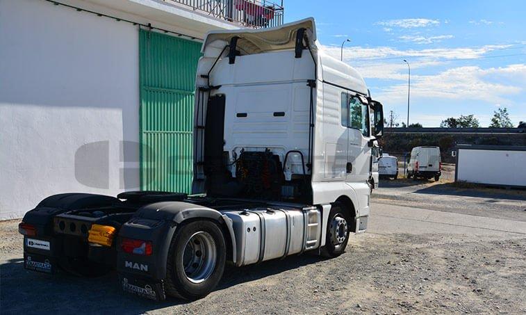 MAN TGX 18480 Noviembre 2011 vista depósito combustible