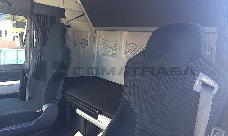 MAN TGX 18480 Octubre 2012 4x2 interior cabina