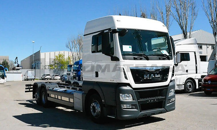 MAN TGX 26.480 6X2 2 BL Chasis Camión 2