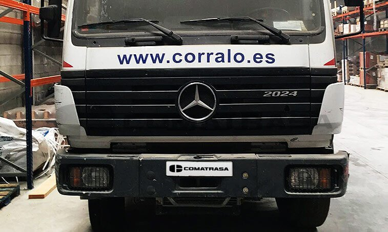 Mercedes 2024 Camión Caja Abierta con Grúa 1997 04 01 3