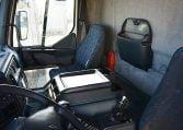 Renault 25018 4x2 interior cabina