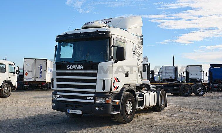 Scania R124LA4X2NA420 parte izquierda tractora