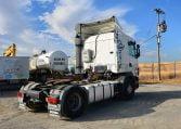 Scania R124LA4X2NA420 parte lateral derecha