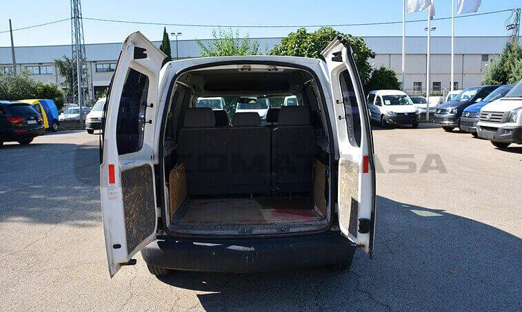 VW Caddy 2006 maletero