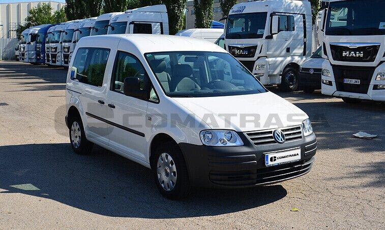 VW Caddy 2010 frontal derecho