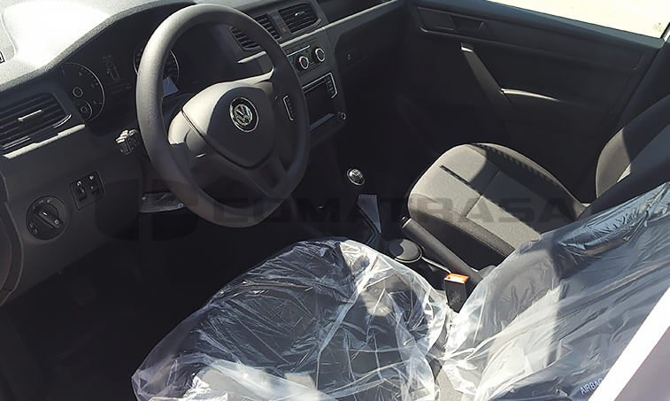 VW Caddy Profesional interior parte delantera