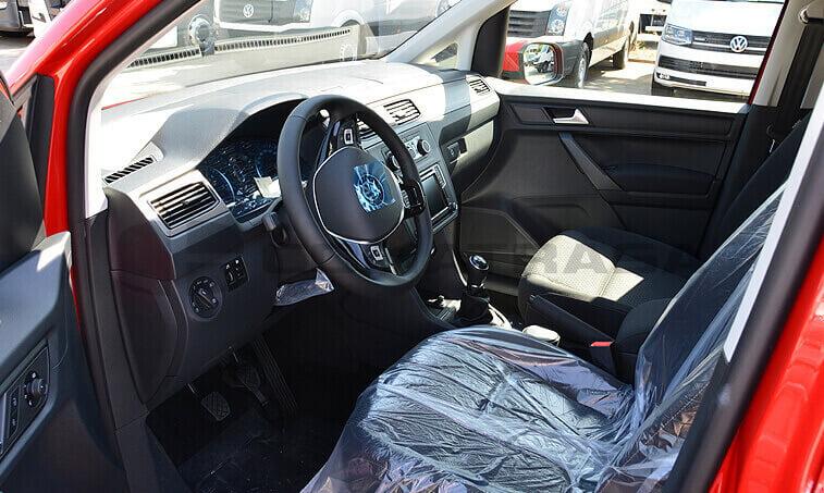 VW Caddy Trendline 2.0 TDI 102 CV 6