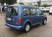 VW Caddy Trendline Azul parte trasera