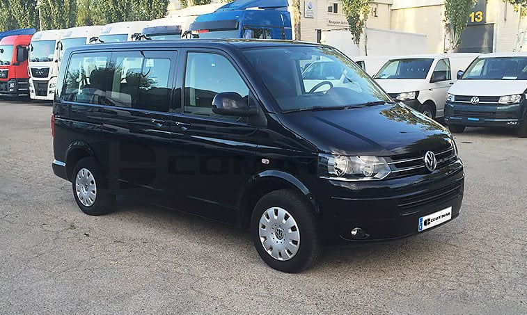 VW Caravelle lateral derecho