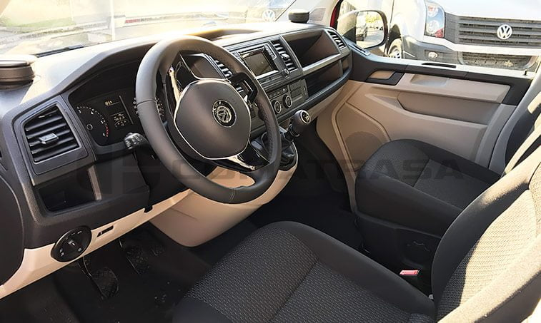 vw caravelle trendline 102 cv interior delantero