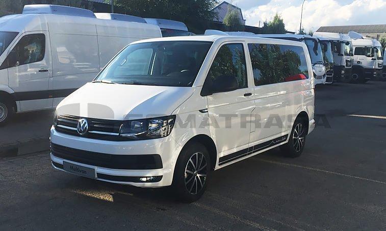 VW Multivan Outdoor vista delantera izquierda