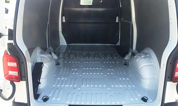 VW Transporter BL 2.0 TDI 150 zona carga